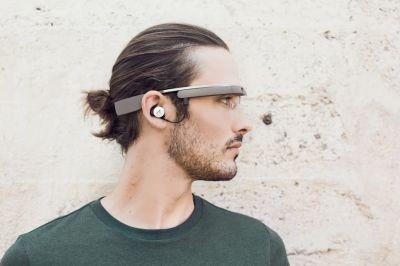 Электронные очки Google Glass будут с музыкой