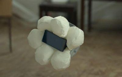 Honda придумала подушку безопасности для телефона