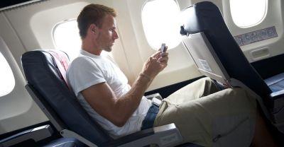 Россиянам разрешат пользоваться смартфонами в самолетах