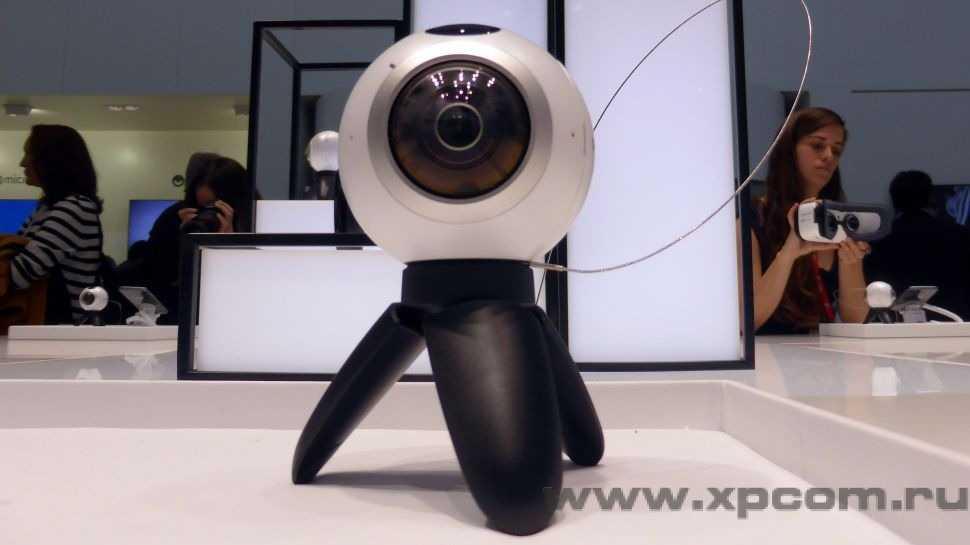 xs_MWC-Samsung-Galaxy-Gear-360-cam-3-1-970-80