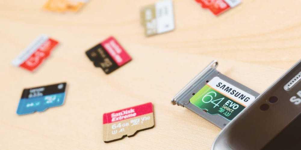 Карты microSD – удобный и недорогой способ увеличить внутреннюю память смартфона.